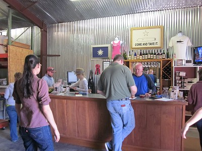 Retreat Hill Wineyard & Vineyard tasting room