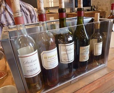 La Cruz de Comal - tasting bottles
