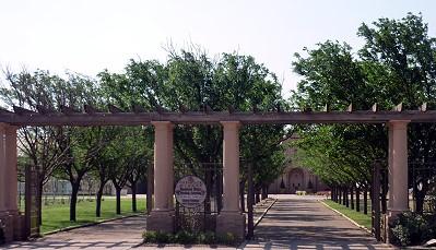 Cap*Rock - entrance