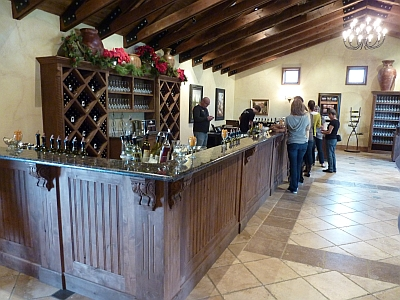 Grape Creek - tasting room 1