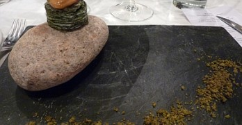 Mussel on top of seaweed millefuille