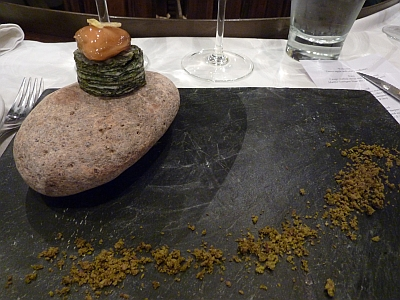 Mussel on top of seaweed millefuille