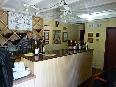 La Buena Vida Vineyards - Springtown - inside