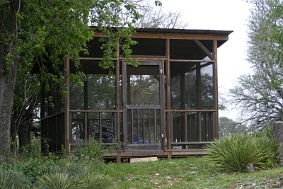 Lazy T - screened porch