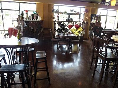 D'Vine Wine Beaumont - inside 2