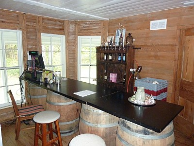 KE Cellars - Lindale - room