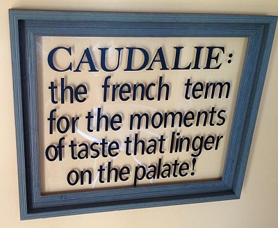 Caudalie Crest - sign