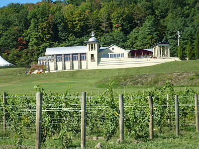 Heron Hill Winery doubles fundraising effort with EquiCenter