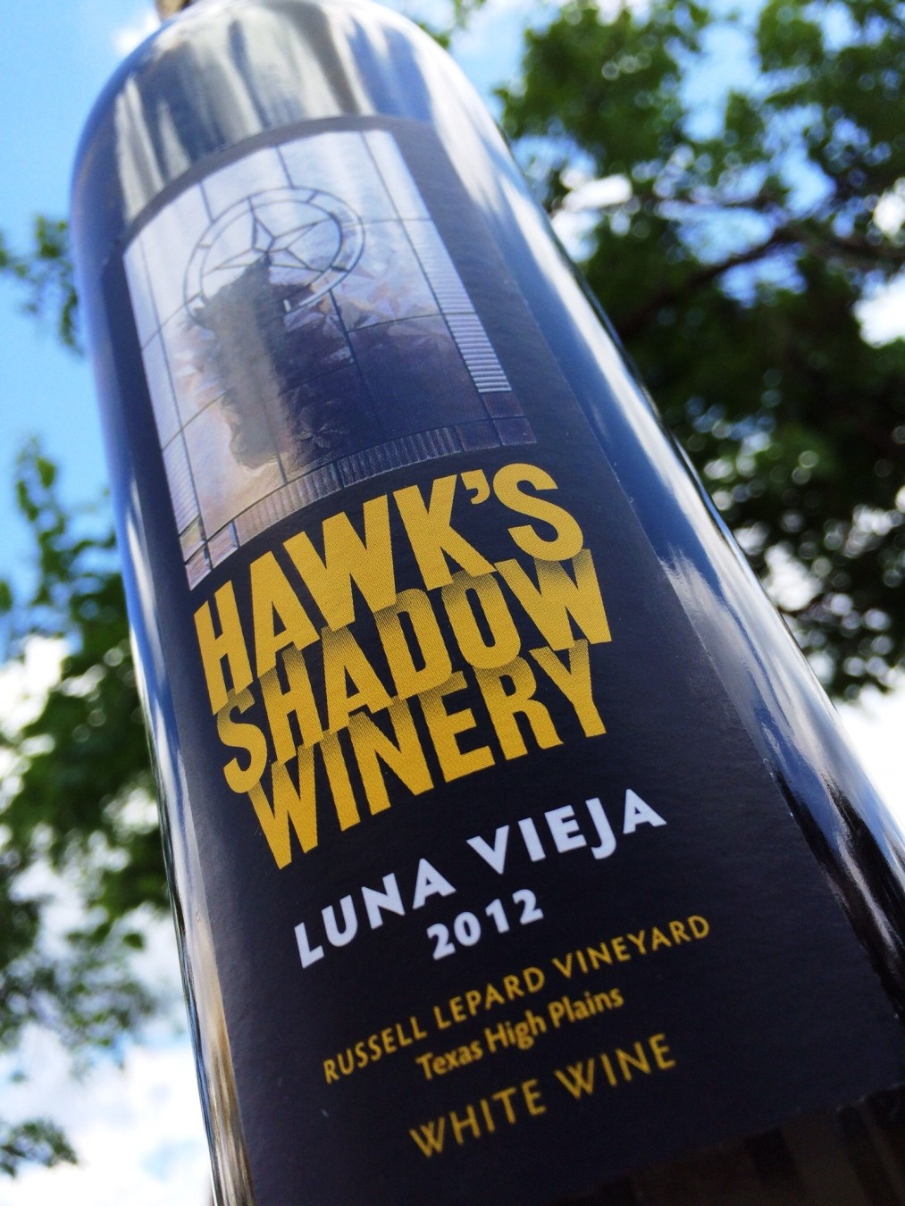 Hawk's Shadow Winery Luna Vieja bottle
