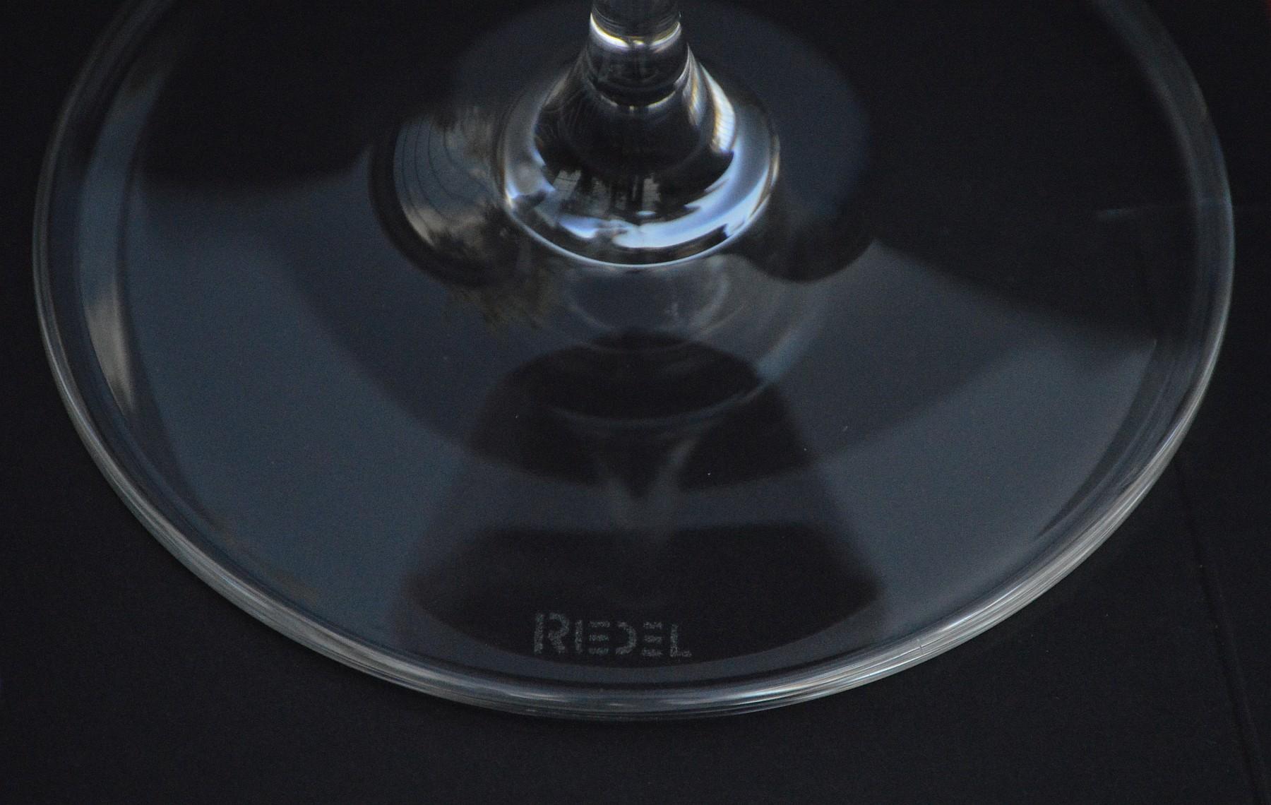 Riedel Vinum wine glass base