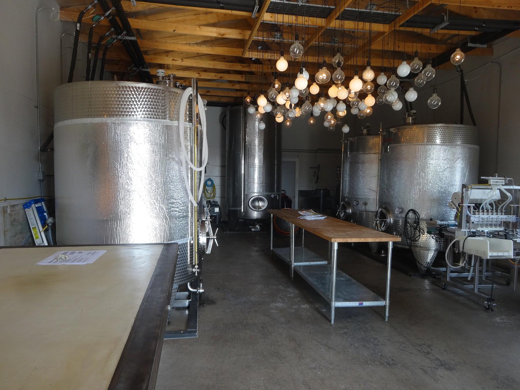 Argus Cidery inside