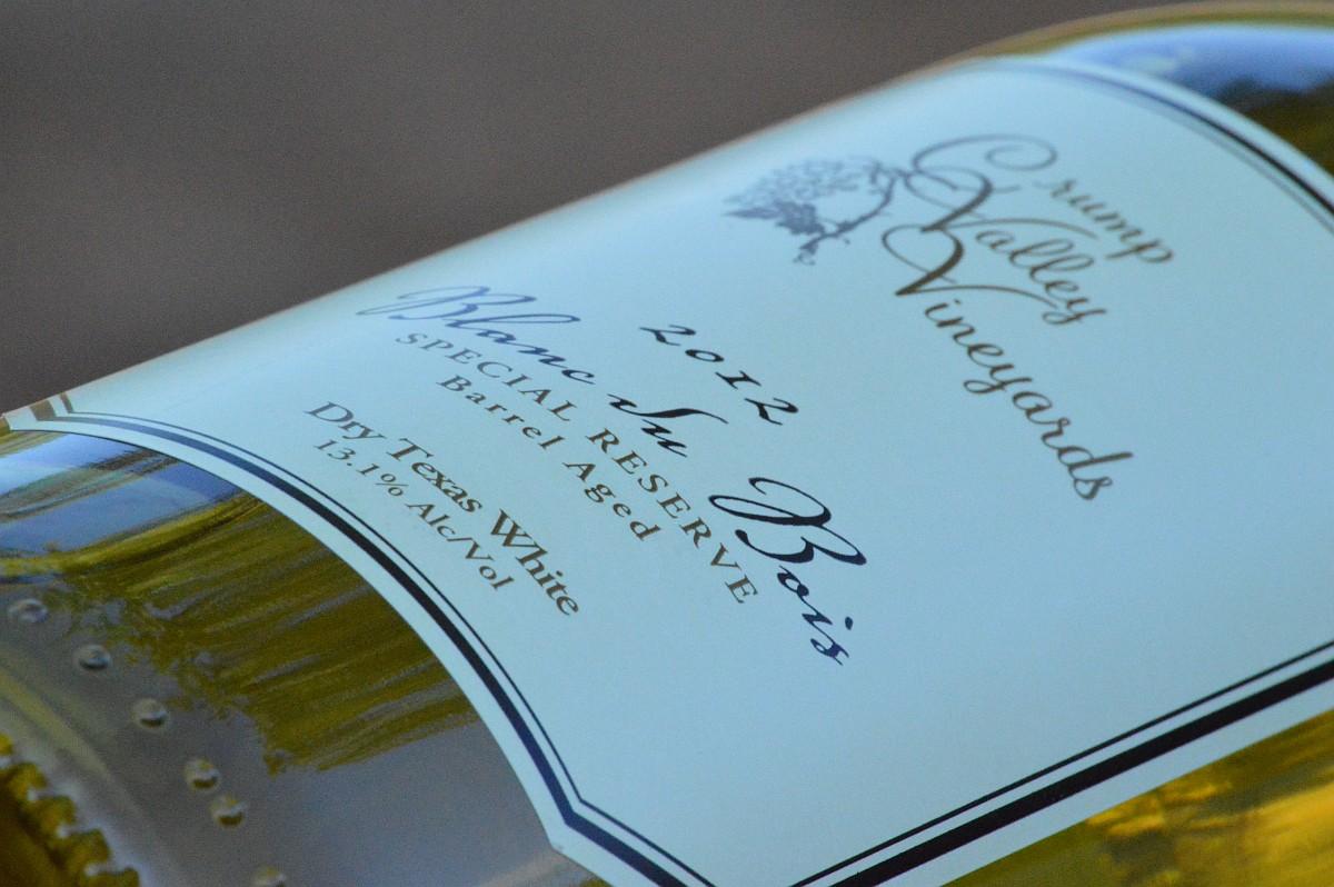 Crump Valley Vineyards Blanc du Bois side bottle