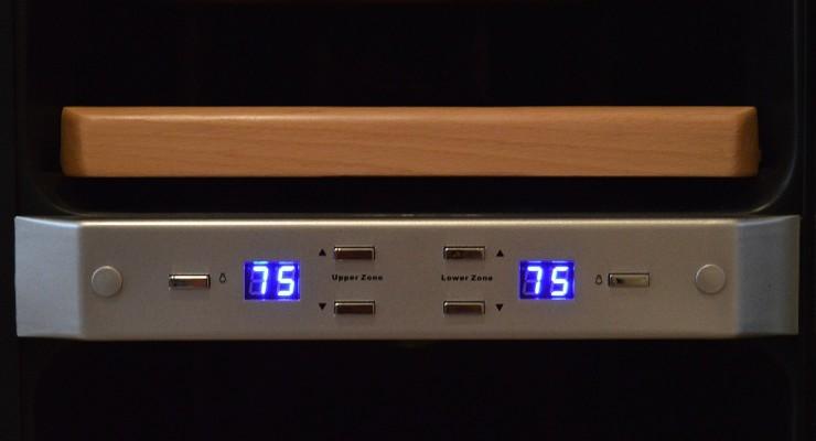 NewAir AW-211ED temperature controls