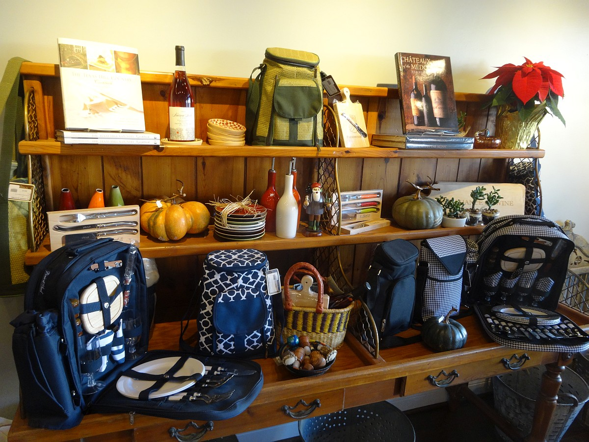 Narrow Path Winery gift shop