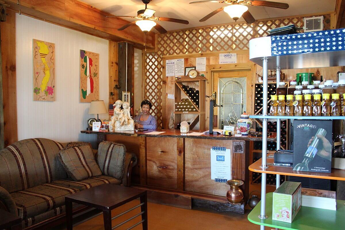 Frascone Winery tasting bar
