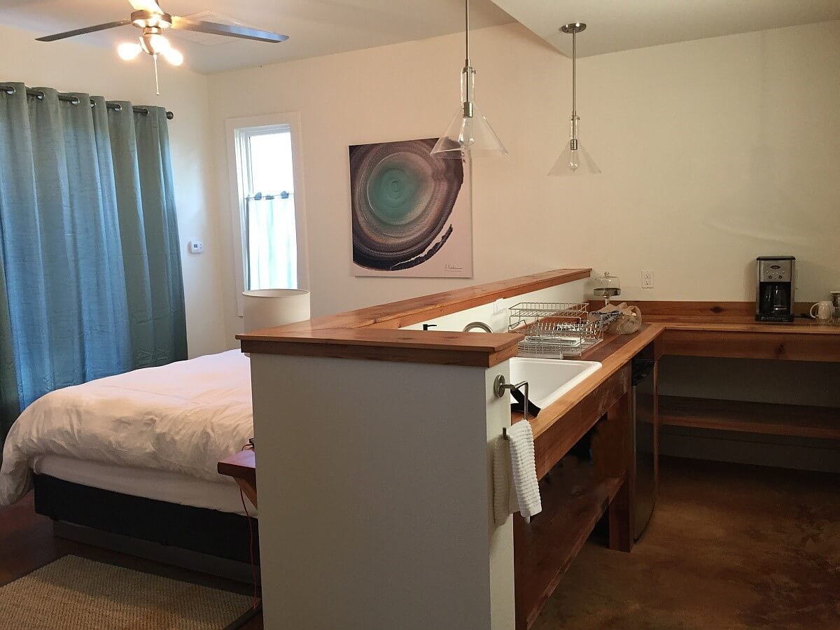 Compass Rose Cellars Casitas - bed and kitchen overview