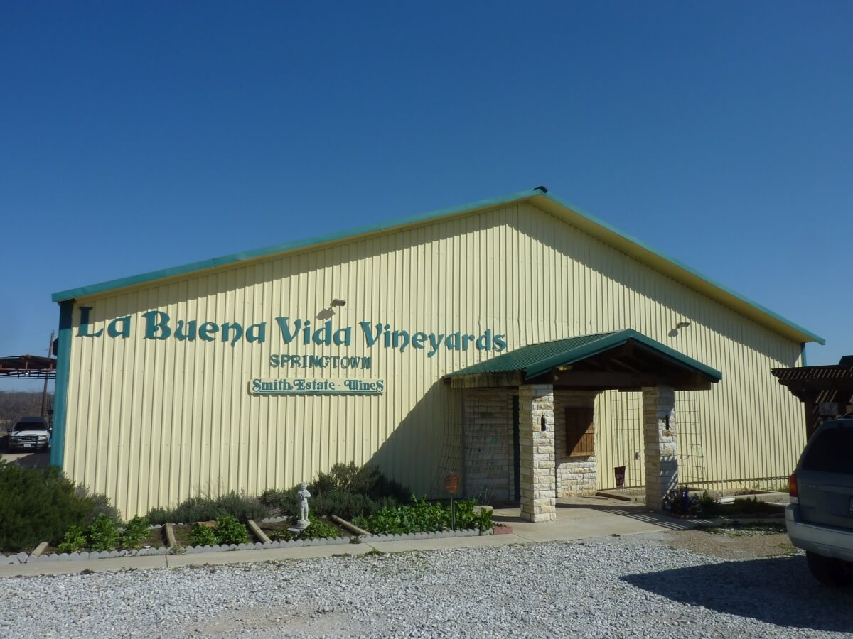 La Buena Vida Vineyards at Springtown