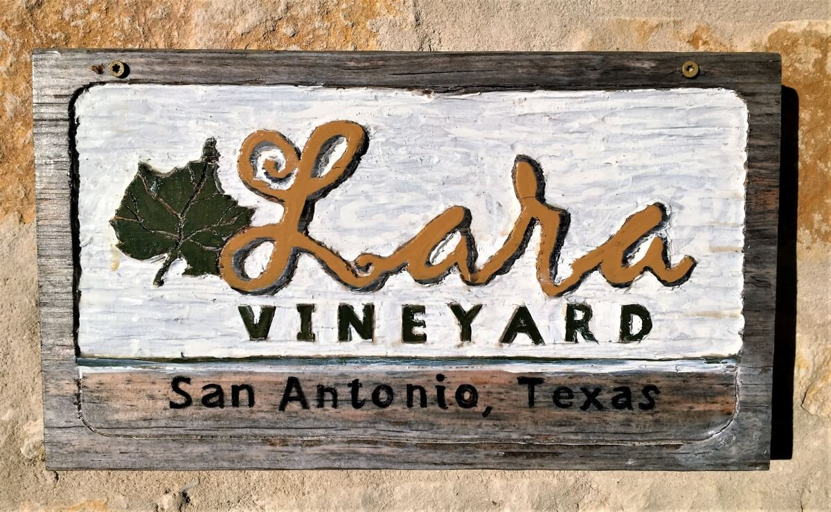 Lara Vineyard Sign