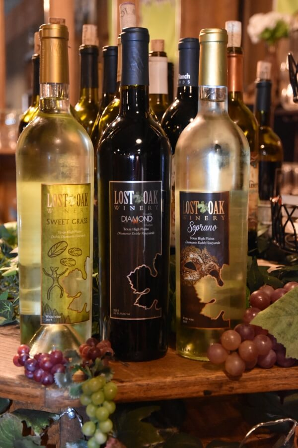 Lost Oak Winery wines