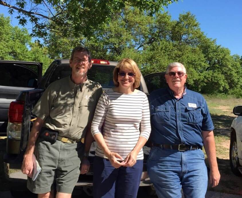 """Shelly Ware, Laurie Ware, & Carl Hudson ready to depart on """"Carl's Epic High Plains Vines to Wine Extravaganza"""""""