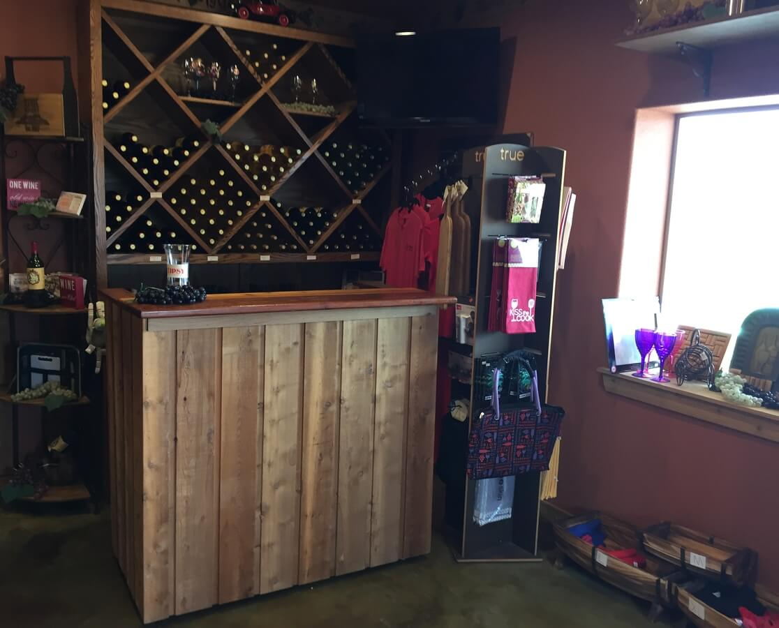 Kfire Winery and Vineyard tasting bar right