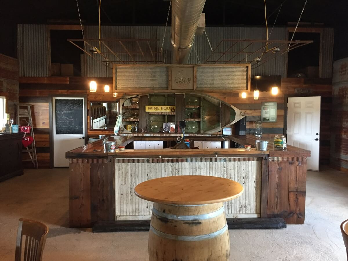Spirit of Texas Winery tasting bar
