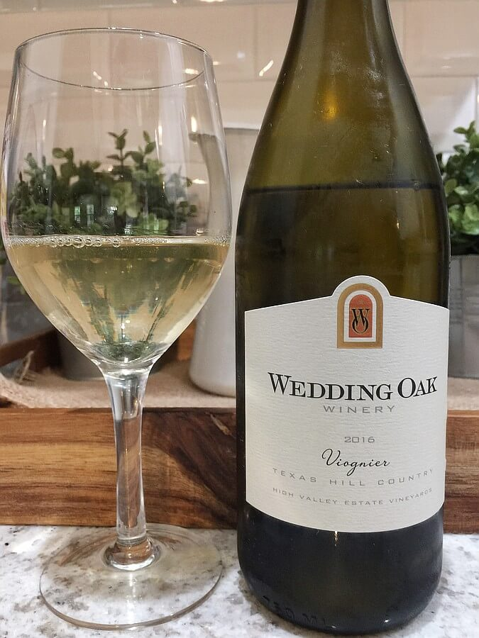 Wedding Oak Winery Viognier bottle and glass