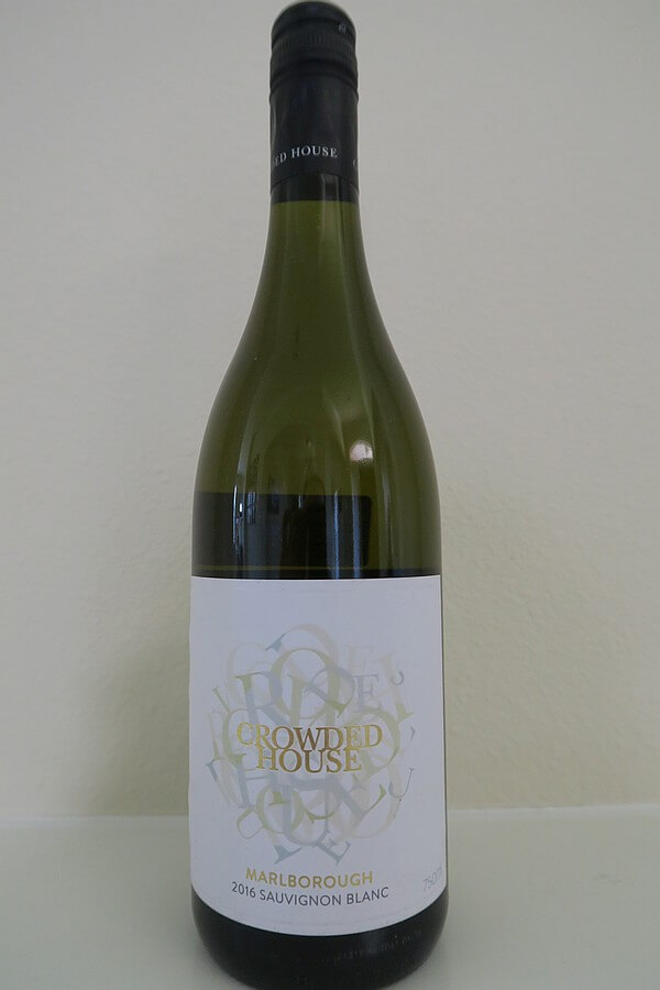 Crowded House Sauvignon Blanc bottle