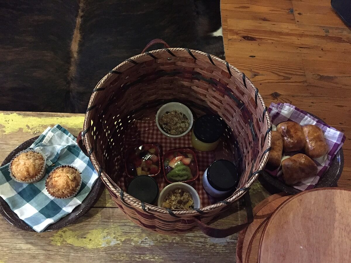 Bed and Breakfast picnic basket