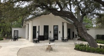 Signor Vineyards tasting room - outside