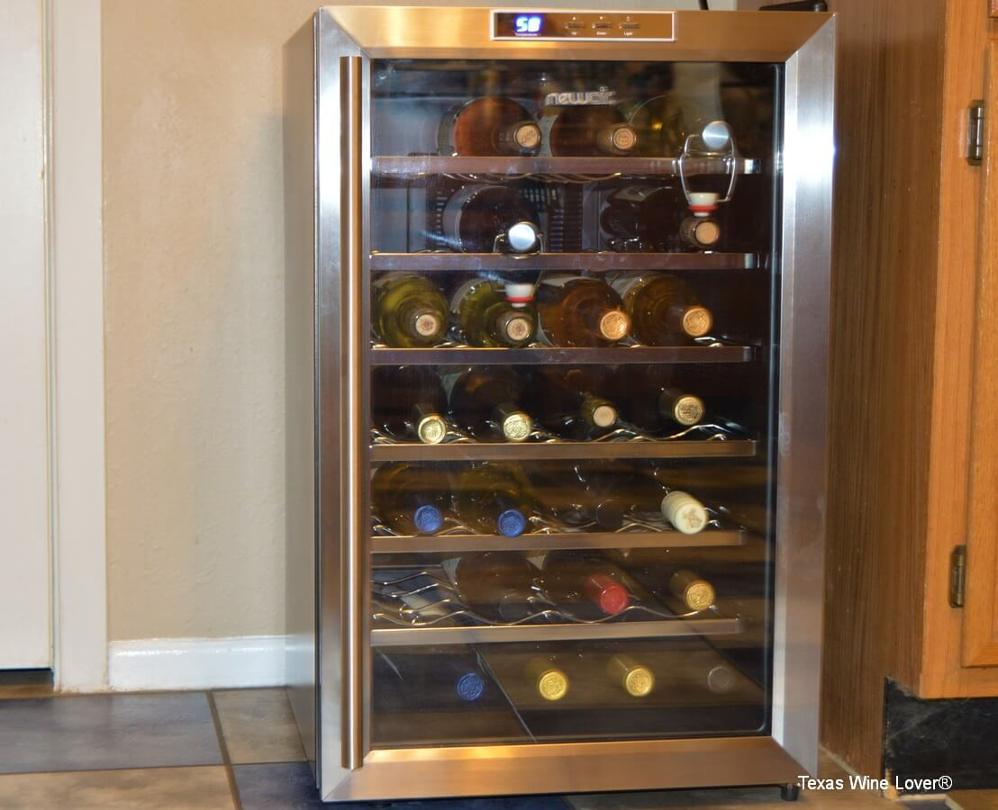 newair aw 281e thermoelectric wine cooler review texas wine lover. Black Bedroom Furniture Sets. Home Design Ideas