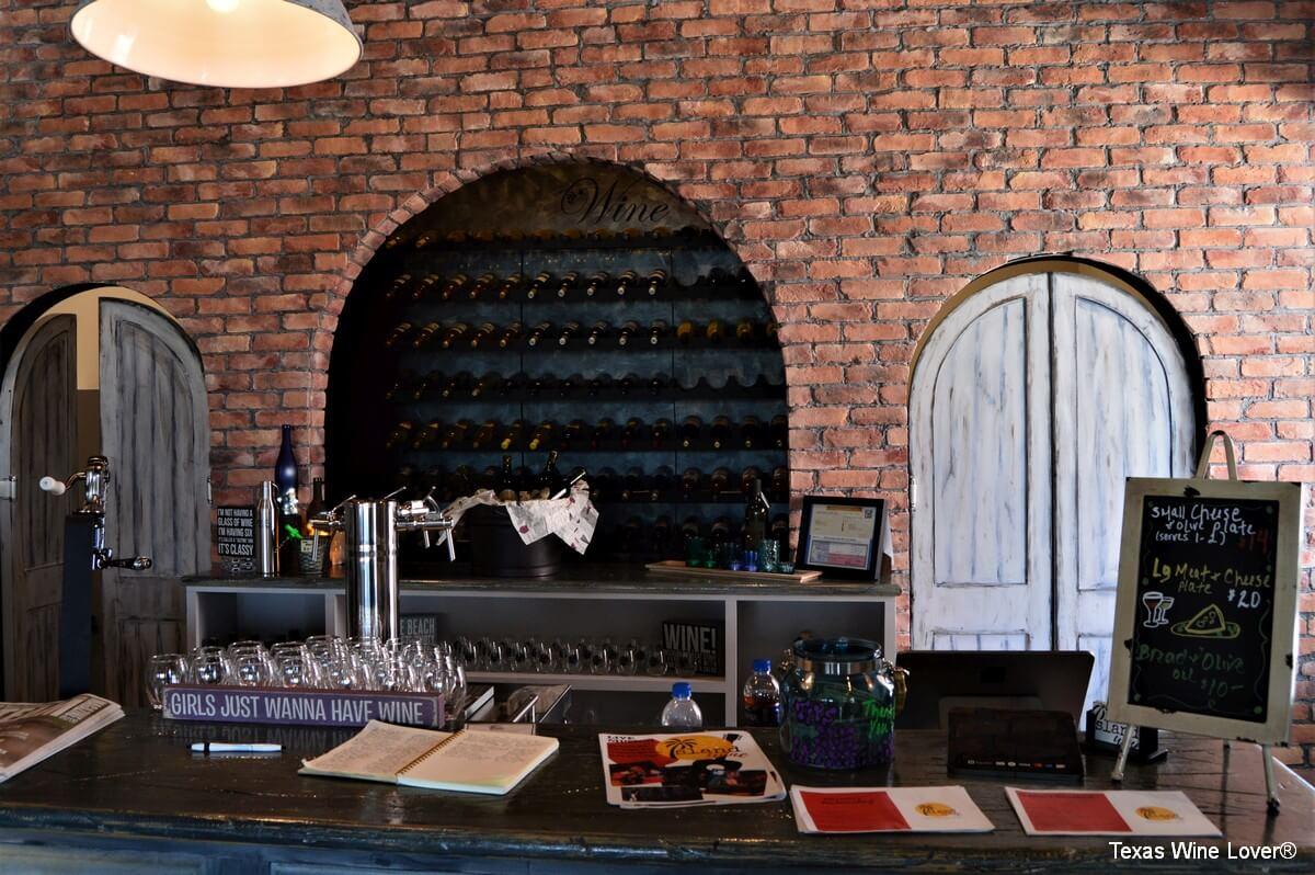Island Wine main bar