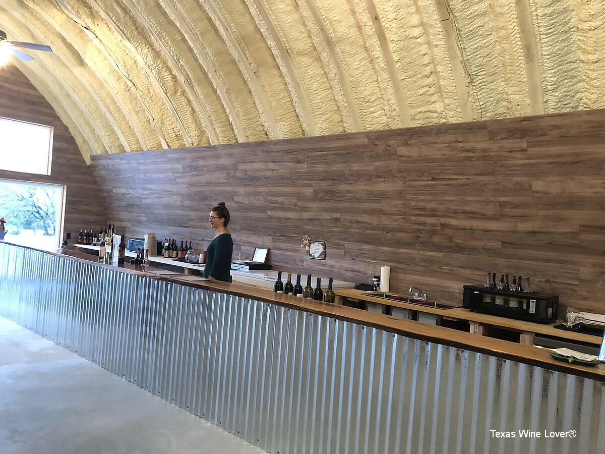 Blue Lotus Winery - Hye tasting bar