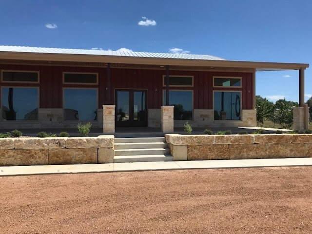 Los Pinos Ranch Vineyards - Fredericksburg tasting room