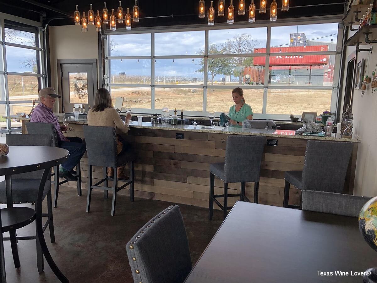Lucky Vines Vineyard & Winery tasting bar