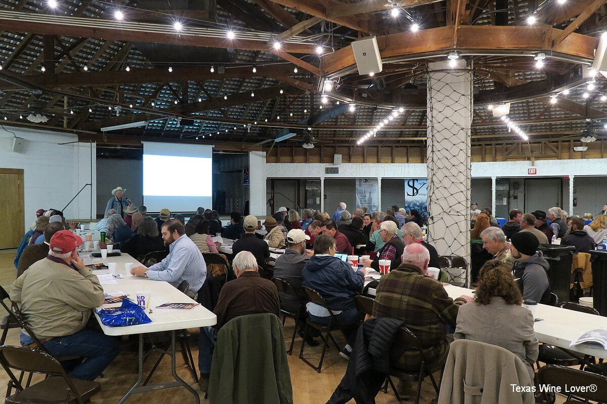 Audience at Gulf Coast Grape Growers Field Day