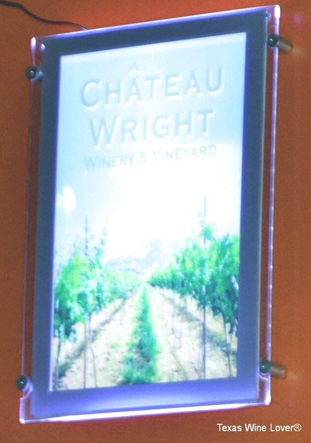 Château Wright Sign