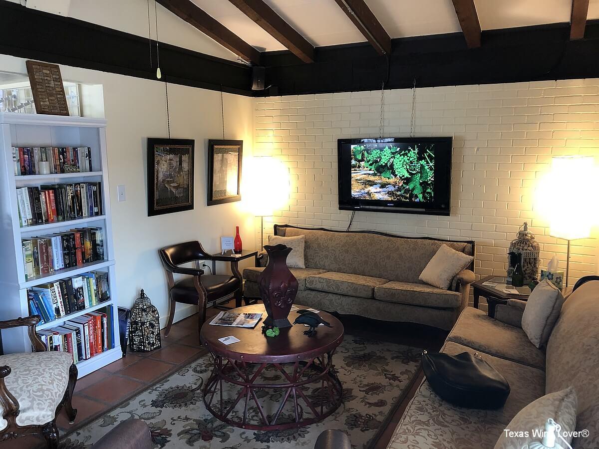 Esperanza Winery lounge