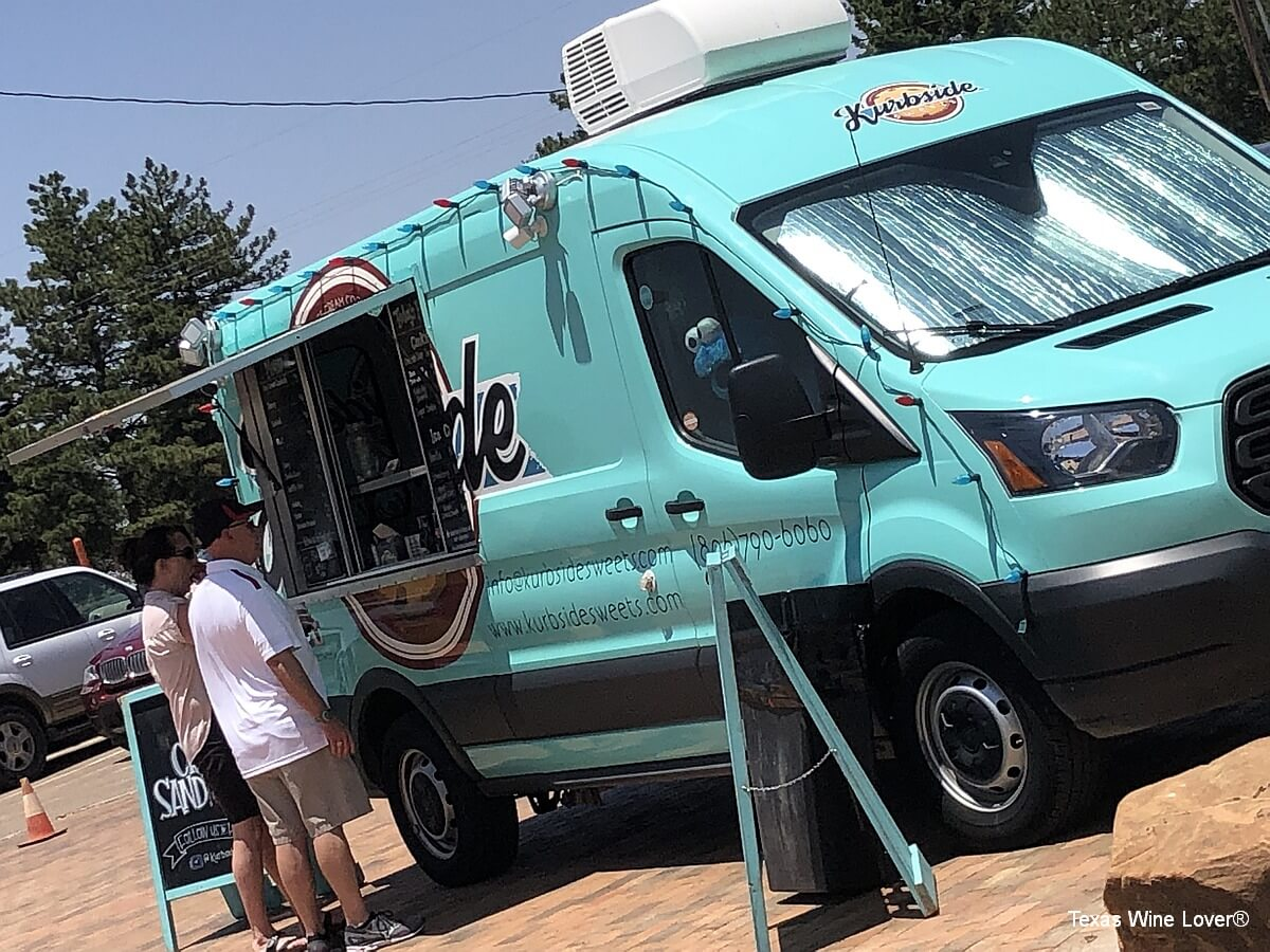 Kurbside food truck