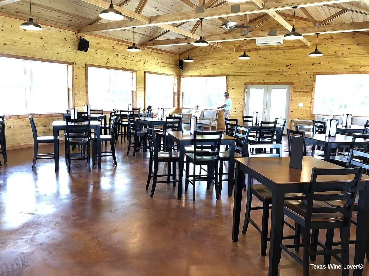 Teysha Vineyard tables