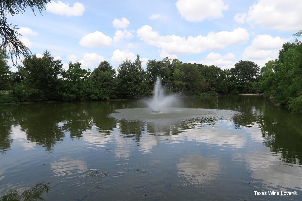 Messina Hof pond