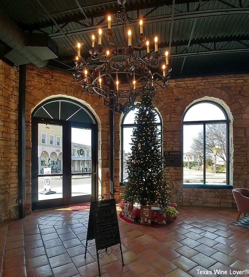 Wedding Oak Winery at Burnet Christmas tree
