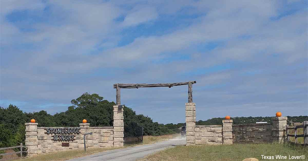 Stoneledge Winery entrance