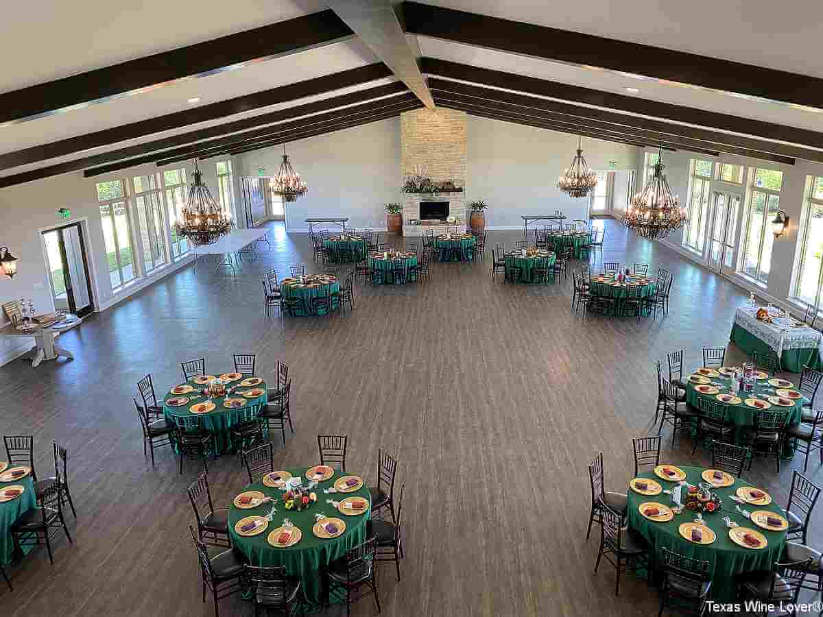Dove Ridge Vineyard event center