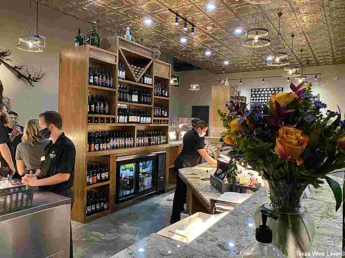 Messina Hof Harvest Green Winery and Kitchen tasting bar